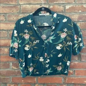 Cropped collared tropical print shirt